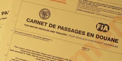 Le carnet de passage en douane, un document indispensable pour un road trip à moto.